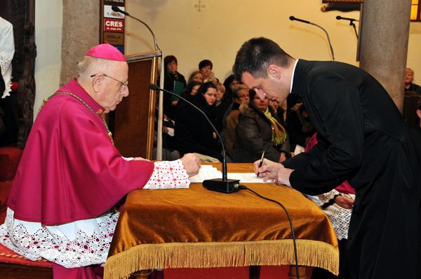 Biskup i postulator kauze