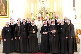 Sestre u Novalji-ik