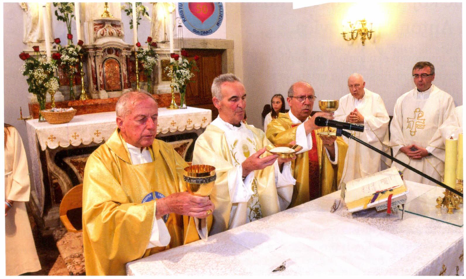Don Dinko Deželić - zlatna misa