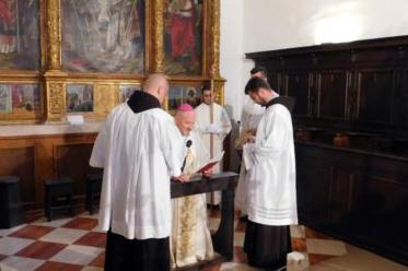 peran-slavlje-biskup
