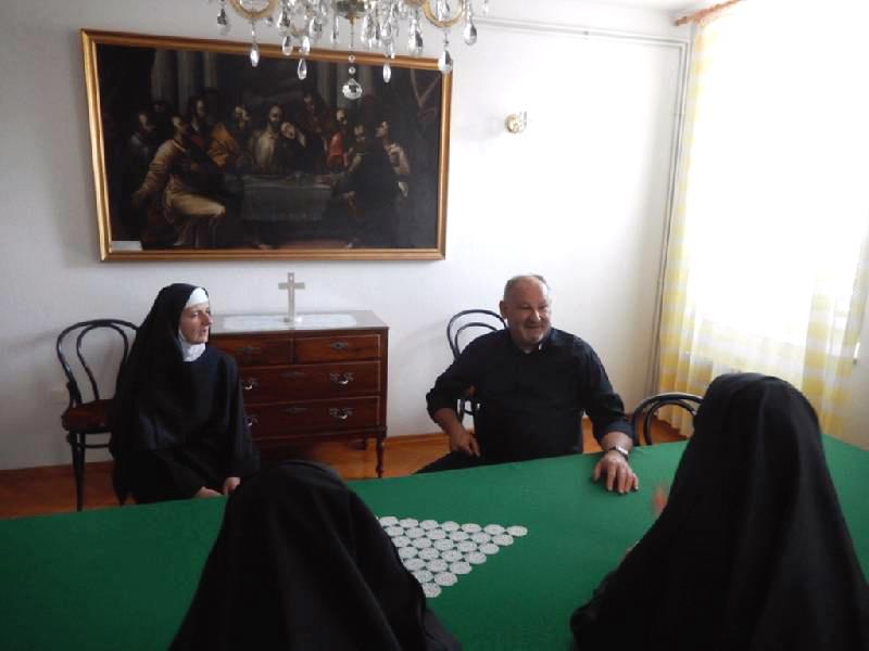 biskup-kod-benediktinki-u-hvaru