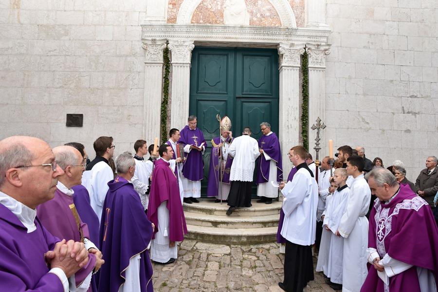 otvaranje-svetih-vrata-u-osoru-1