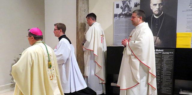 Mons. Đuro Hranić predvodio obilježavanje 97. obljetnice smrti sl. Božjega biskupa Mahnića